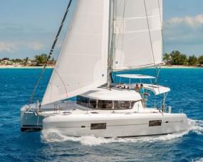 Afbeelding met water, lucht, boot, buitenAutomatisch gegenereerde beschrijving